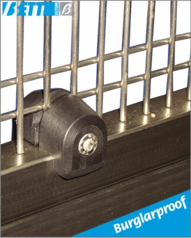 Wire mesh clamp/panel