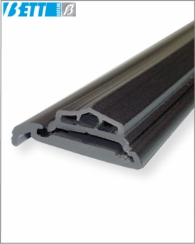 Sealing profile for doors
