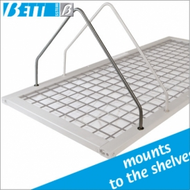 Partition for shelves